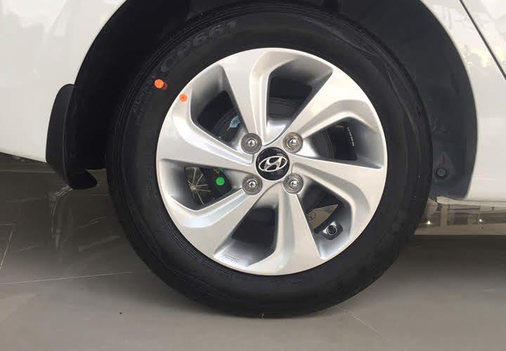 Bánh xe Hyundai i10 sedan