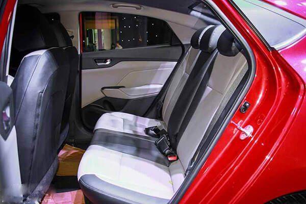 Hàng ghế su của xe Accent đặc biệt