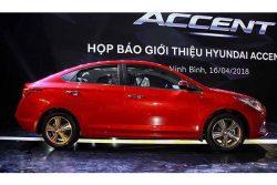 Hông xe Hyundai Accent 1.4 đặc biệt