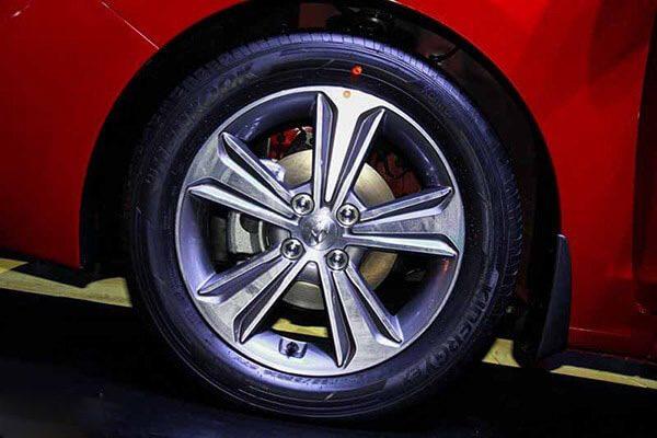 Mâm xe Hyundai Accent bản đặc biệt