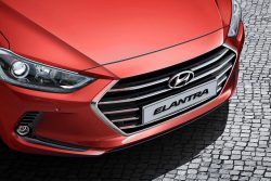Ngoại thất Hyundai Elantra 1.6 MT