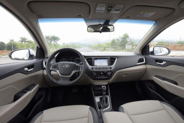 Nội thất Hyundai Accent 1.4 AT