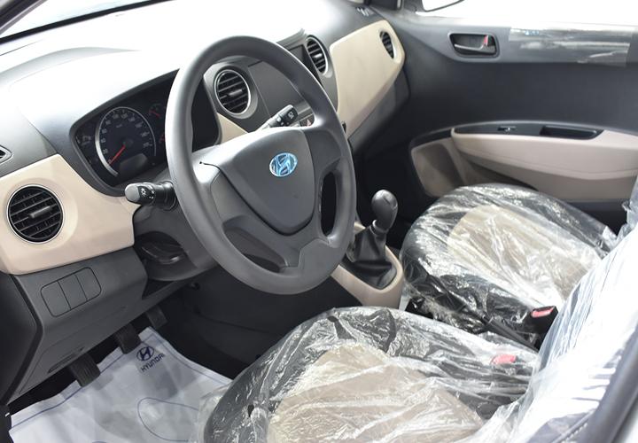 Nội thất Hyundai Grand i10 Sedan 1.2 MT