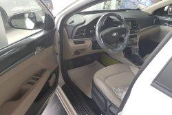 Nội thất ghế lái Elantra 1.6 AT