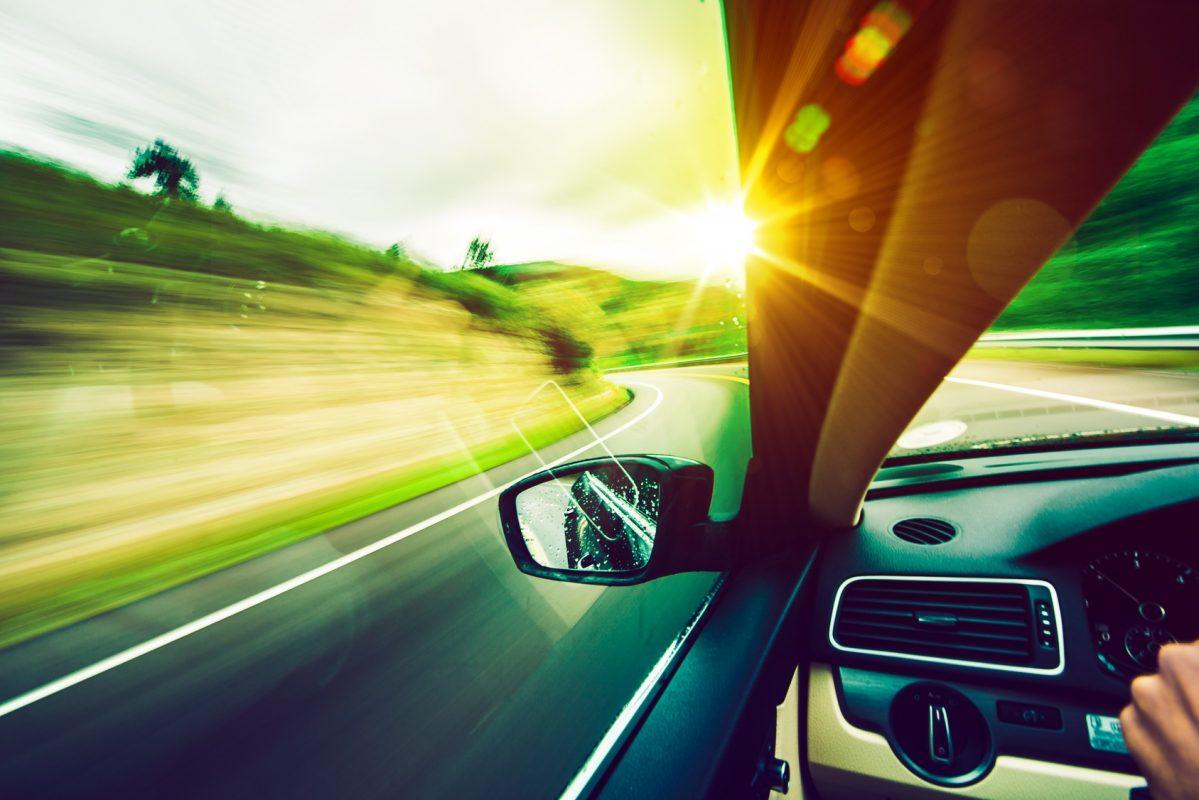 4 Nguy hại khi để xe dưới trời nắng nóngv