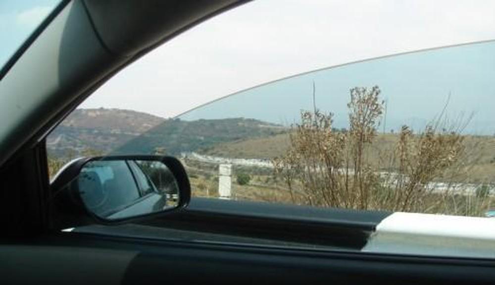 cửa kính ô tô