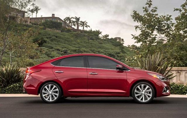 Hyundai accent Màu đỏ