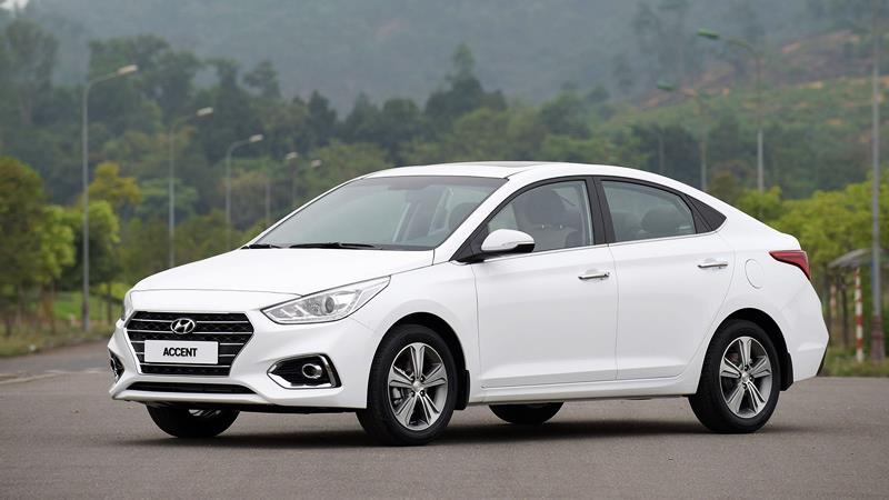 Hyundai accent Màu trắng