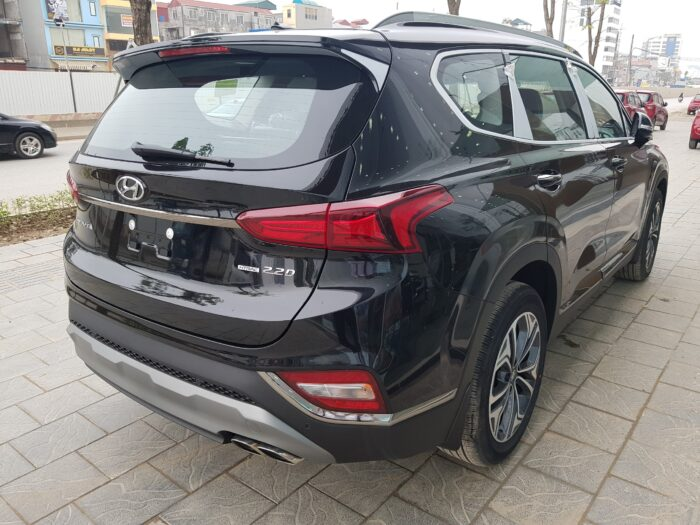 Đuôi xe Hyundai Santafe dầu tiêu chuẩn