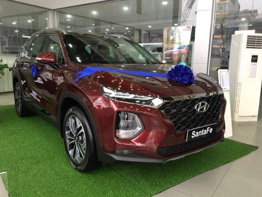 Hyundai Santafe dầu cao cấp màu đỏ