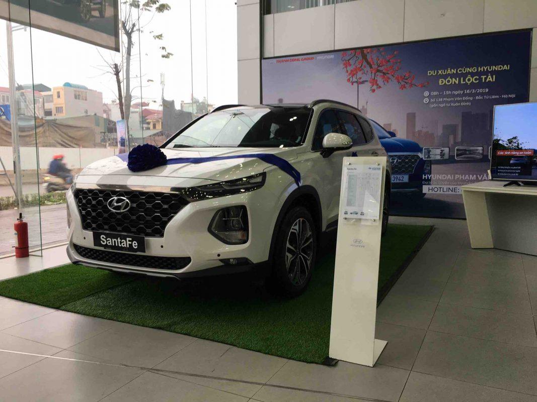 Hyundai Santafe dầu cao cấp màu trắng 2