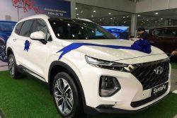 Hyundai Santafe dầu cao cấp màu trắng