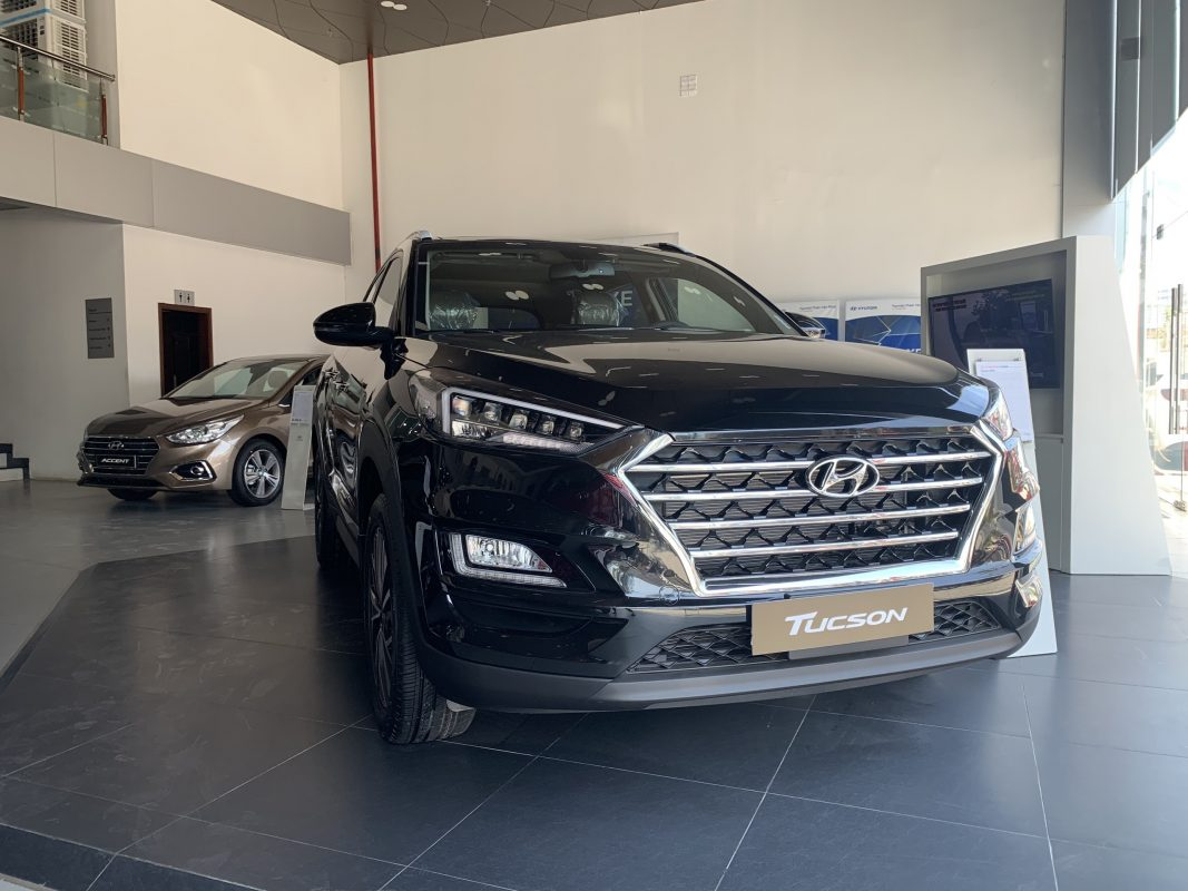 Hyundai Tucson xăng đặc biệt 2.0L
