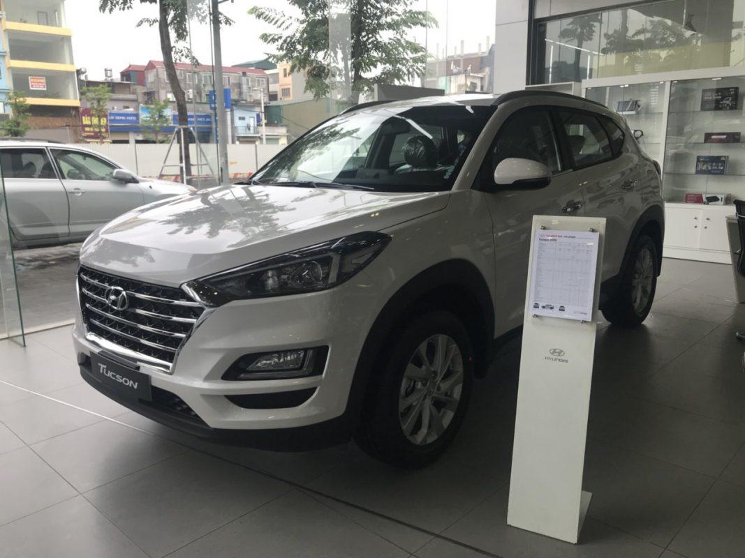 Hyundai Tucson xăng tiêu chuẩn 2.0L