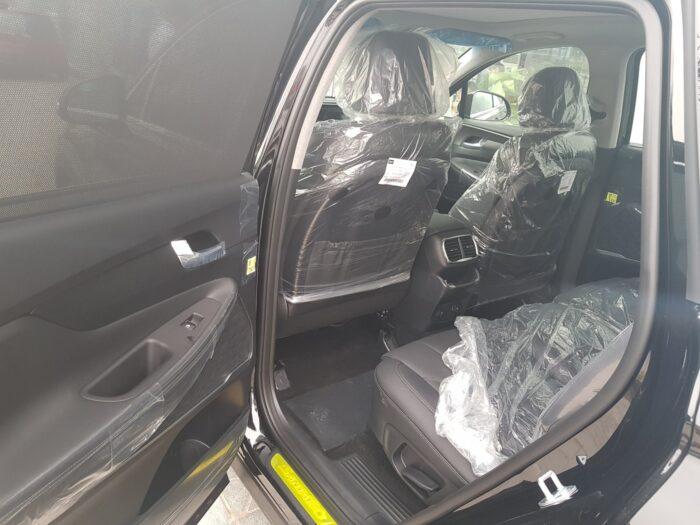 Hàng ghế thứ 2 Hyundai Santafe dầu tiêu chuẩn