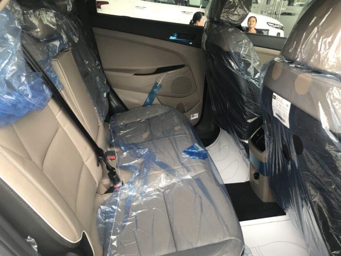 Nội thất Hyundai Tucson xăng tiêu chuẩn 3