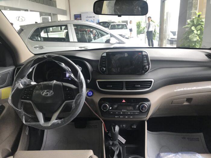 Nội thất Hyundai Tucson xăng tiêu chuẩn
