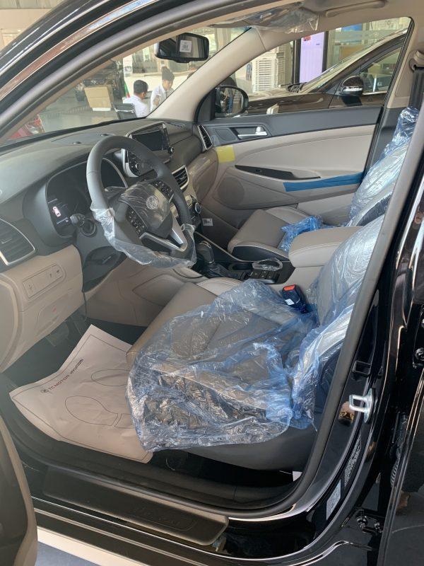 Hàng ghế 1 Hyundai Tucson xăng đặc biệt