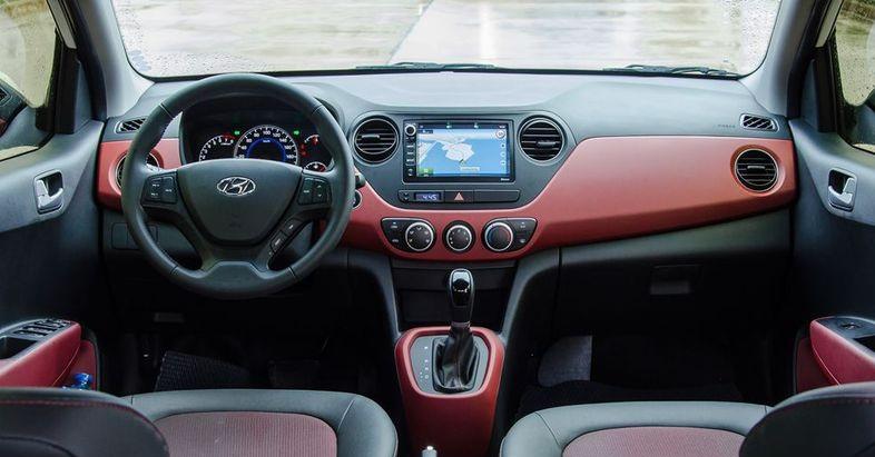 Đánh giá nội thất Hyundai Grand i10 | So sánh nội thất i10 1 đầu và 2 đầu
