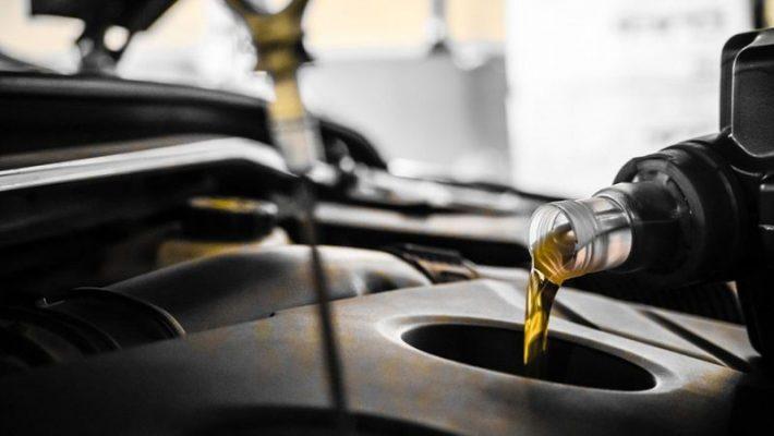 Thay dầu động cơ